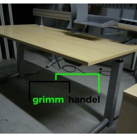 Schreibtische (elektrisch verstellbar / Gasdruckfeder)